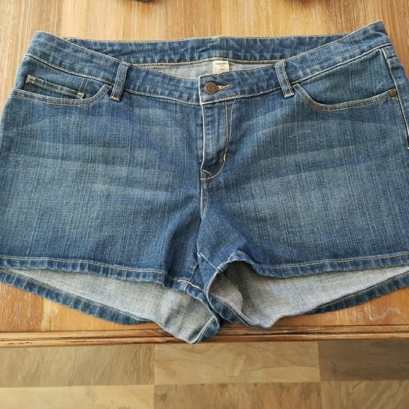 Old Navy Pants - Old Navy plus size 18 shorts shorts denim blue